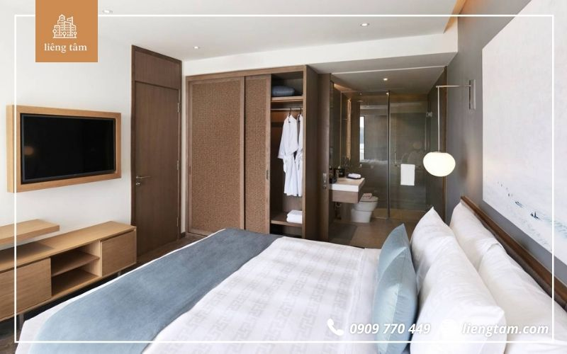 Căn hộ Superior Suites 1 King Bed And Twin Bed With Balcony